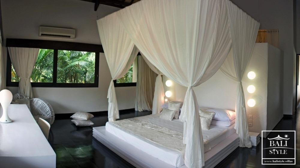 спальня на вилле на Бали, Чанггу, Переренан